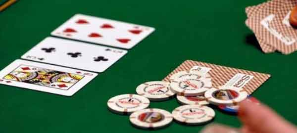 Improving your Skills by Playing Poker Online